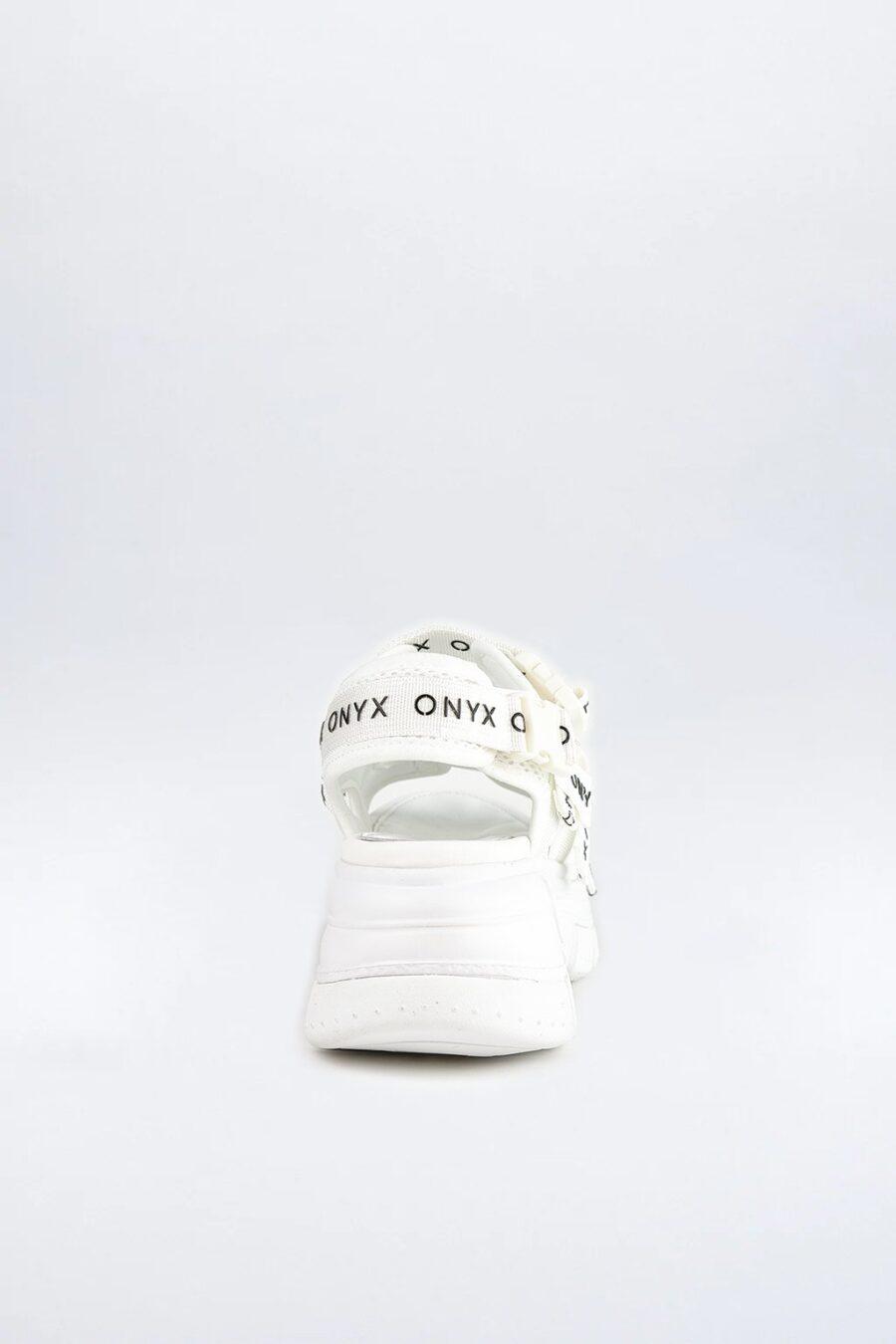 Spit OX 020 White
