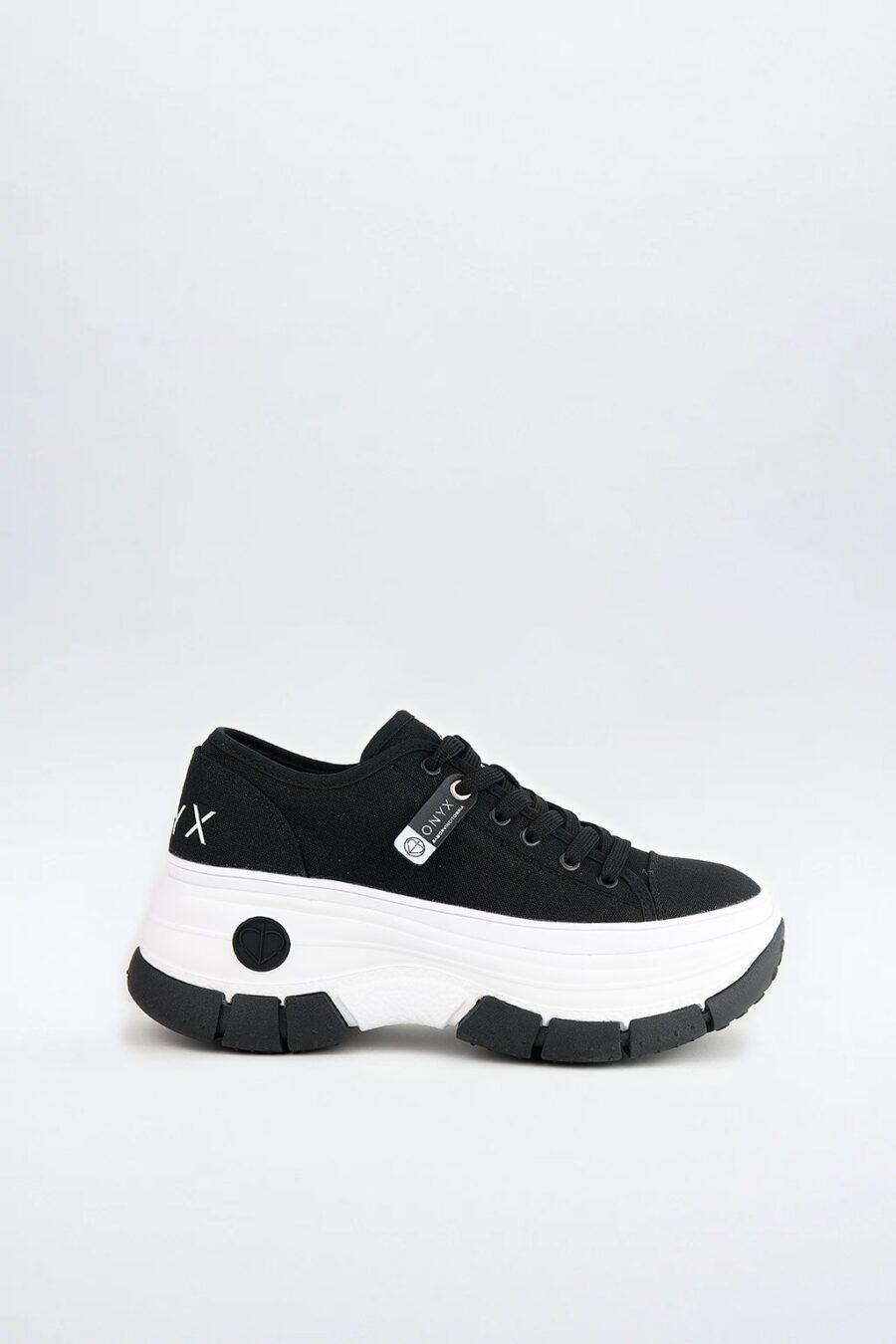 OX 010 Black